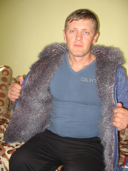 А вот и моя курточка с мехом.